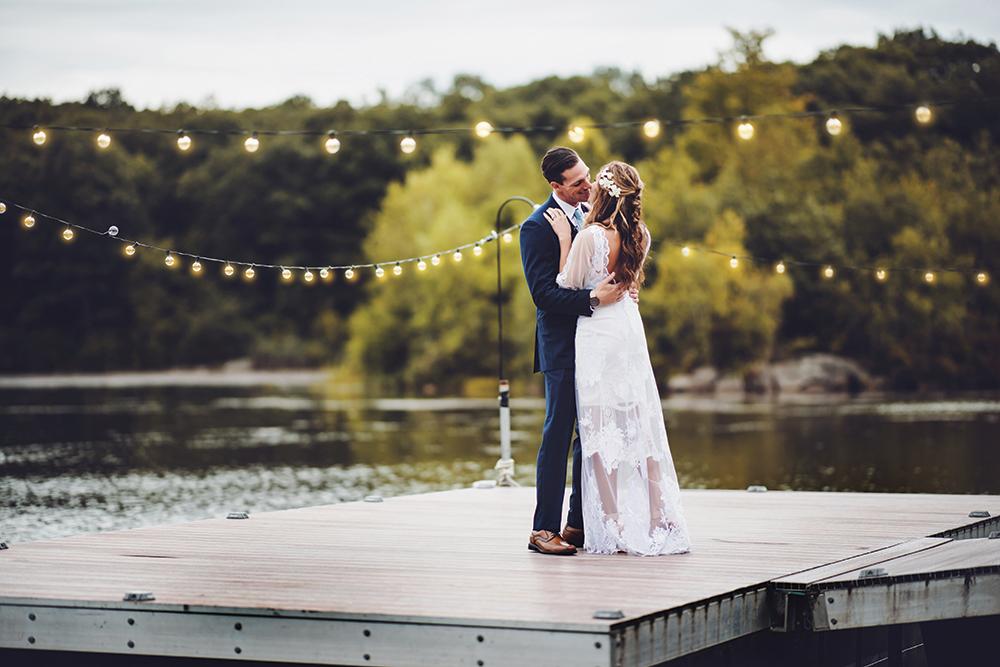 Jenna & Tim's Wedding at Rock Island Lake Club (Photography: Live Picture Studios)