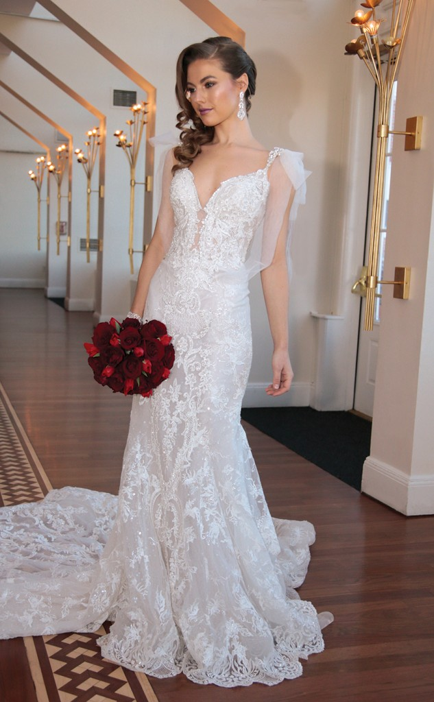 Gown: Eve of Milady (363), Ariston Flowers