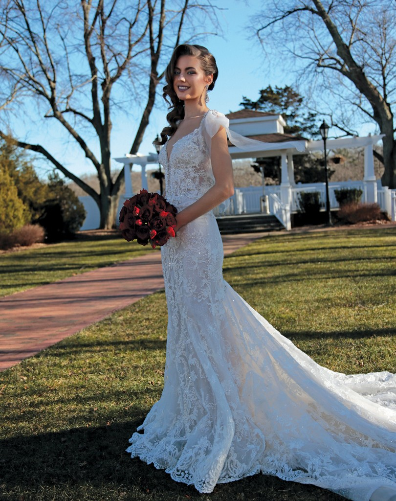 Gown: Eve of Milady (363). Ariston Flowers