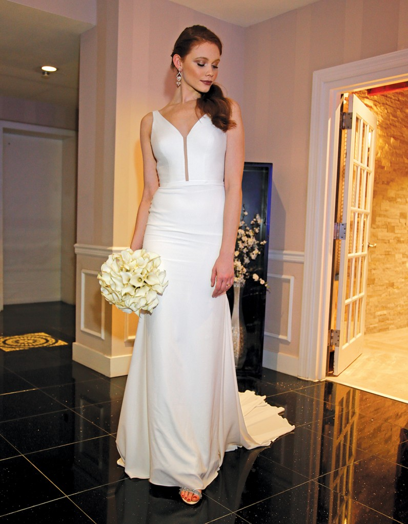 Gown: Jude Jowilson (Marion). Bouquet: Mitch Kolby Events