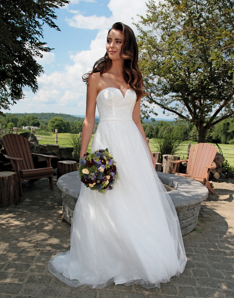 Gown: David's Bridal (WG3691, $599). Bouquet: Mitch Kolby Events.