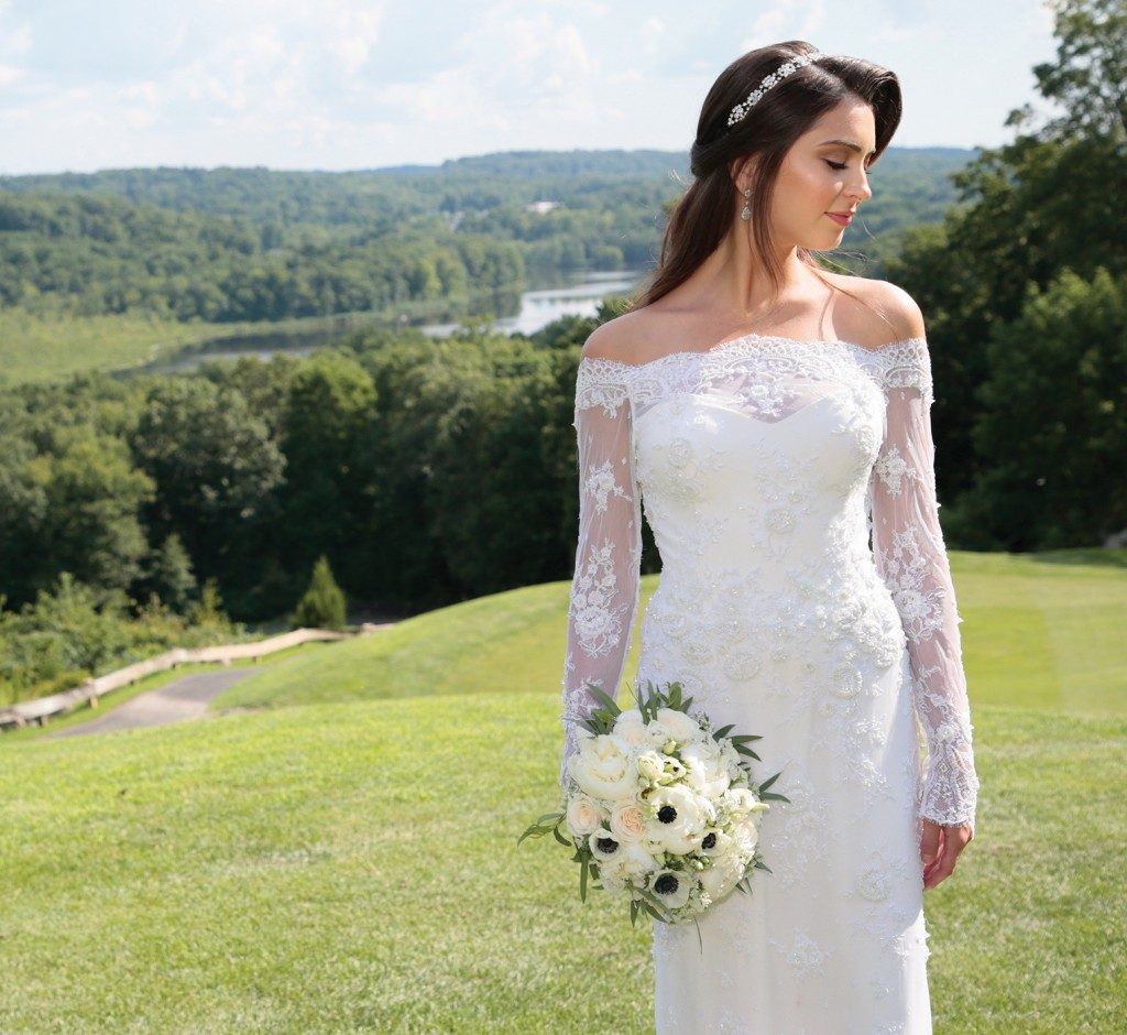Gown: Jude Jowilson (Tallulah). Bouquet: Mitch Kolby Events.