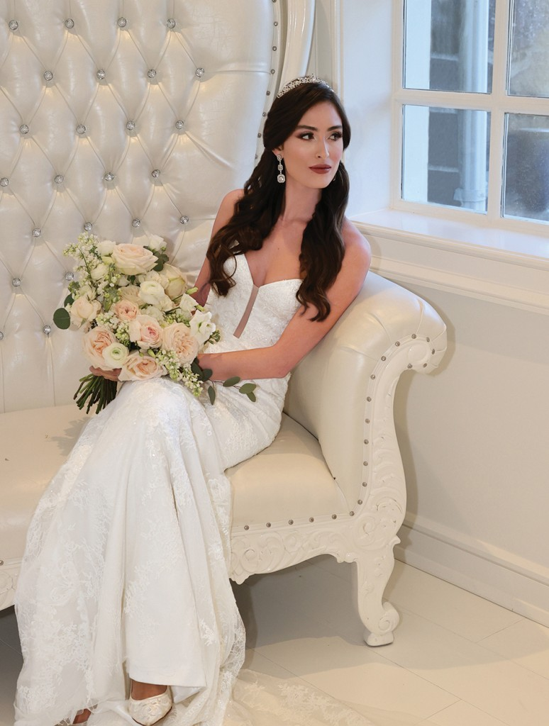 Gown: Jude Jowilson (Miller) Bouquet: Bespoke Floral & Event Design