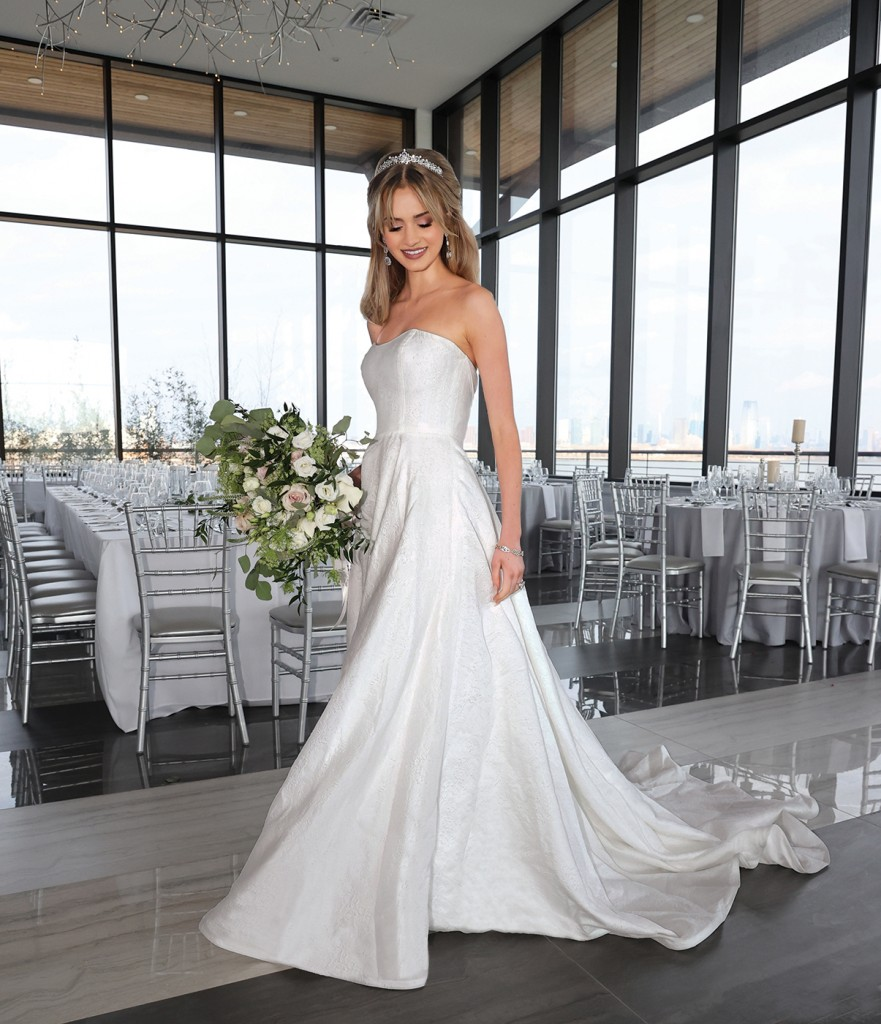 Gown: Tulle New York (Michelle, $3900) Bouquet: Douglas Koch Design Ltd.