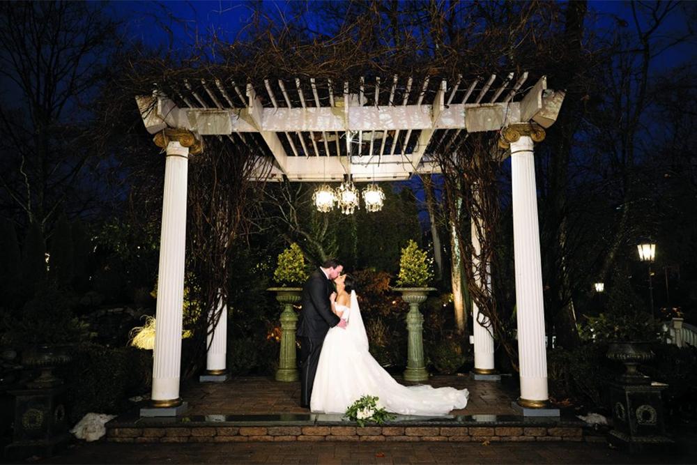 Marissa & Jason's Wedding at Nanina's in the Park