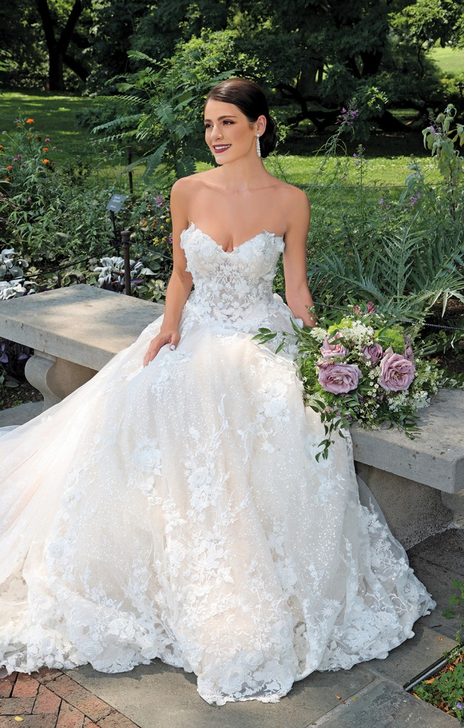 Gown: Amalia Carrara (376). Bouquet: Douglas Koch Designs Ltd.